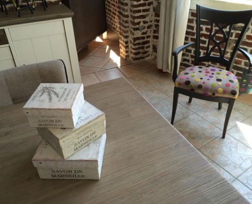 Décoration DanjouBoda - Chaise Originale, Boites de Rangement, Table Chêne, Bahut Chêne...