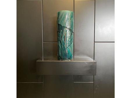 Danjouboda-vase-en-hauteur-motif-feuille-vert-emeraude-