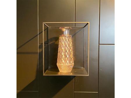 Danjouboda-vase-transparent-motifs--relief