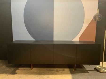 buffet-noir-design-sobre-danjou-boda-danjouboda