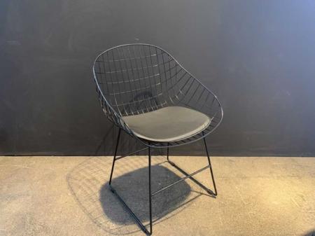 chaise-metal-design-designer-noir-danjouboda