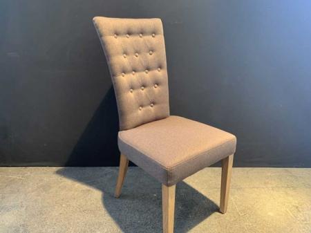 chaise-tendance-capitonné-marron-bois-danjouboda