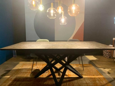 table-ceramique-tendance-pied-metal-danjouboda