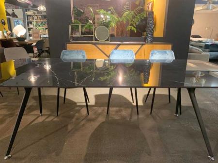 table-minimaliste-noir-ceramique-design-danjouboda